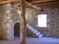 Δύο πέτρινα σπίτια εν αναμονή της ολοκλήρωσης με εκπληκτική θέα