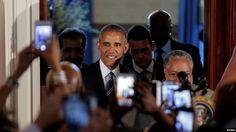 លោកប្រធានាធិបតីសហរដ្ឋអាមេរិក Barack Obama បានមកដល់ក្នុងកម្មវិធីជប់លៀងកត់ត្រាការបើកសម្ពោធសារមន្ទីជាតិរបស់ Smithsonia នៃប្រវត្តិសាស្រ្តនិងវប្បធម៌អាហ្រ្វិកអាមេរិកាំង នៅសេតវិមានរដ្ឋធានីវ៉ាស៊ីនតោនកាលពីថ្ងៃទី២៣ កញ្ញា ២០១៦។