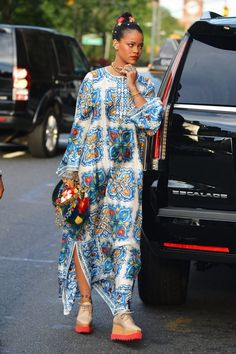 'Anti' singer Rihanna is spotted heading to her car in New York City, New York on May 29, 2016.