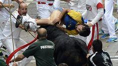 El peligrosísimo sexto encierro de San Fermín 2013 de El Pilar deja tres heridos por asta - RTVE.es