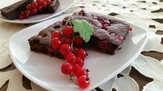 fitshaker_blog_cukina_brownies2 Beef, Desserts, Food, Basket, Meat, Tailgate Desserts, Deserts, Essen, Postres