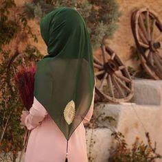 💎 Miss Bushra Kakar💎 Hijab Prom Dress, Hijab Gown, Muslim Women Fashion, Arab Fashion, Hijabi Girl, Girl Hijab, Modele Hijab, Hijab Collection, Stylish Hijab