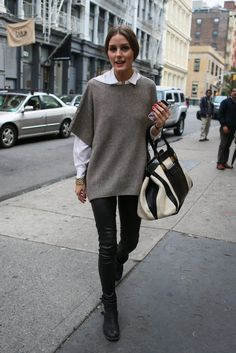 Style is Eternal black skinny pants - gray sweater - white shirt / olivia palermo. Record of Knitting String spinning, weaving and sewi. Olivia Palermo Outfit, Olivia Palermo Style, Olivia Palermo 2017, Look Casual Otoño, Casual Chic, Mode Outfits, Winter Outfits, Casual Outfits, Summer Pants Outfits