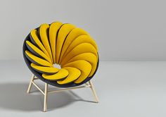 A chair inspired by feathers: Quetzal by Marc Venot