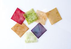 Emma Sicher has combined food waste with bacteria and yeasts to create sustainable food packaging, as an alternative to plastic. Paper Packaging, Food Packaging, Cheese Packaging, Sustainable Food, Sustainable Design, Different Fruits And Vegetables, Plastic Design, Edible Food, Food Waste