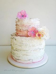 Love this frilly, flowery cake :)
