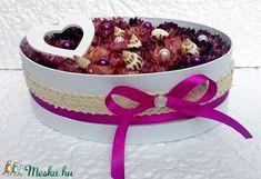 Szalmarózsa virágbox  csigaházakkal, gyöngyökkel (KÉSZTERMÉK) (pinkrose) - Meska.hu Dog Bowls, Carton Box
