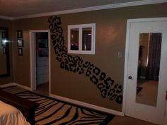 Cheetah Bedroom Wall♥ so doing this to my room when we move ! Dream Room, Home, Home Bedroom, Living Room Bedroom, House Rooms, Room Colors, Bedroom Decor, Home Diy, New Room