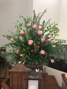 ~ 50 + beautiful flower vase arrangement for your home decoration - Page 47 of 51 Large Flower Arrangements, Funeral Flower Arrangements, Vase Arrangements, Flower Vases, Centrepieces, Alter Flowers, Church Flowers, Silk Flowers, Fresh Flowers