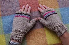 Parmaksız Nakışlı Eldiven Yapımı Parmaksız Kalp Nakışlı Eldiven Yapımı Merhabalar arkadaşlar Soğuk havalarda örgü bere ve örgü eldivenler, örgü atkılar, örgü şapkalar tercih edilmekte. Ben tercihimi atkıdan yana yaptım ancak hep parmaksız eldiven örmek istemişimdir. Durumöyle olunca son zamanlarda moda haline gelen parmaksız eldivenler, yetişkin erkek için parmaksız eldiven modelinin resimli olarak anlatımınıpaylaştık. Daha önceden …
