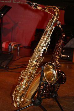 Saxophones [Single Reed Instruments with a Conical Bore] Tenor Sax (of Tony Kofi) Adolphe Sax, Tenor Sax, Band Nerd, Piano, Blues Music, Clarinet, Percussion, Music Stuff, Trumpet