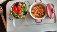 Ensalada de tomate y lechuga. Judías  Restaurant Olot La Quinta Justa