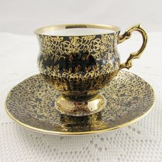Vintage Tea Cup and Saucer, Black with Gold Chintz, Elizabethan Teacup, Fine Bone China Tea Cup Set, Tea Cup Saucer, Tea Sets, Vintage Cups, Vintage Tea, Teapots And Cups, China Tea Cups, Tea Service, Teller