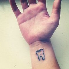 Tattoo molar tooth