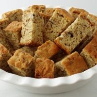 All Bran Beskuit (Rusks) using Kellogs All bran and buttermilk. I grew up with these rusks and their delish! South African Dishes, South African Recipes, Africa Recipes, Köstliche Desserts, Delicious Desserts, Dessert Recipes, Tart Recipes, Curry Recipes, Yummy Snacks