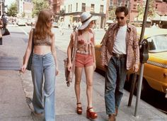 Garth Avery, Jodie Foster and Robert De Niro during the filming of Taxi Driver.