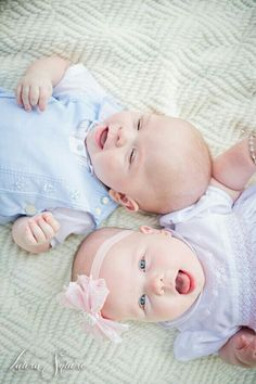 Twins yes please! Cool Baby, Cute Baby Twins, Baby Love, Newborn Twins, Twin Babies, Twin Baby Photos, Book Bebe, Cute Baby Pictures, Baby Portraits