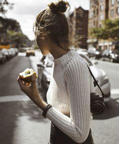 tricot-branco-maca-couro