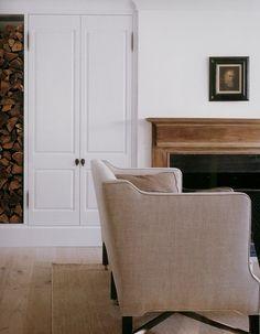 Shades of linen... Sofa, pillow, rug, floor; Darryl Carter