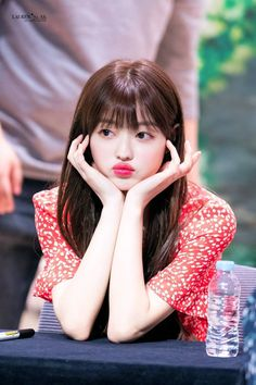 Photo album containing 7 pictures of YooA Oh My Girl Yooa, Arin Oh My Girl, K Pop, Shoulder Length Cuts, Kpop Girl Bands, Anime Crying, Long Length Hair, New Dj, Girls Lips