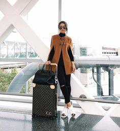Airport style with ZARA coat from last season Fashion Moda, Look Fashion, Girl Fashion, Winter Fashion, Fashion Outfits, Womens Fashion, Travel Outfits, Travel Chic, Travel Wear