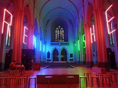 YES HERE NOW - Projet artistique  de Geert Bisschop dans l'église Sainte Madeleine à Bruges.