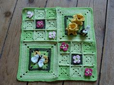So pretty.  Use different flowers along with the daffodils for a flower garden theme. Just use the picture as a guide, no pattern.  Granny squares.