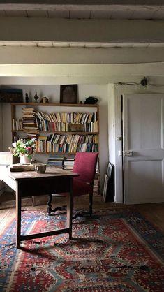 Cosy Home Interior .Cosy Home Interior Home Libraries, Piece A Vivre, Cottage Interiors, Cozy Cottage, Cottage Office, Cheap Home Decor, Room Inspiration, Inspiration Boards, Living Spaces