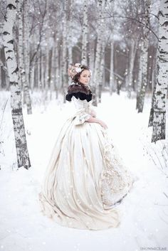 Russian Wedding Dress-lieschenr: photo by snowmice makeup by Эля Саярова (Elya Sayarova) Pretty Dresses, Beautiful Dresses, Amazing Dresses, Beautiful Things, Moda Medieval, Russian Winter, Russian Wedding, Winter Wonderland Wedding, Winter Wedding Inspiration