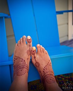 """Even though I only left the henna on for 2 hours my feet still got super dark. You can also see """"ghost henna"""" tan from my previous henna! If you're planning to buy henna cones from me order by Sunday night as I now ship on Monday/Tuesday ONLY! Have a great weekend. #saturdaymood #henna #mehndi #feet #pedicure #suntan #adirondackchair #roomandboard #toes #hennalounge #bayareahenna #sanfranciscohenna #oaklandhenna #hennamexico #mexicomehdni #weekend #saturday #workhardplayharder"""
