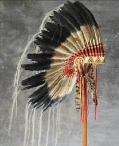 Native American Antiqued War Bonnet Headdress