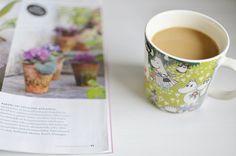 Moominmugs, coffee and a new magazine
