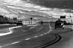 Dennis Stock. San Diego coastline, 1968