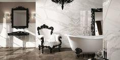 Koristeelliset peilit ja kattokruunut sekä marmori ovat osa boheemin ylellistä sisustusta. Marmorikuosiset laatat: LPC Jewels,   värit Fumo di Londra ja Calacatta Reale │ Laattapiste