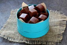 Receita passo a passo: como fazer FUDGES, aqueles deliciosas caramelos macios de chocolate