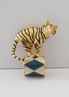 Small Vintage Signed KJL Gold Tone Rhinestone Enamel Circus Tiger Brooch Pin
