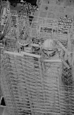 The Statue of Liberty was barely visible under a network of scaffolding as work to restore the statue began on July (AP Photo/Dave Pickoff) Vintage Pictures, Old Pictures, Old Photos, Black N White Images, Black And White, Liberty Statue, Ville New York, World History, Vintage Photographs