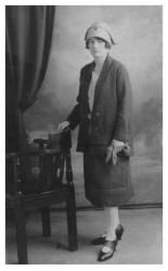 1920s Photographs Flapper fashion - Pictures of Flappers in Day Dress