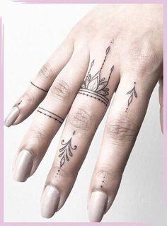 Girl Finger Tattoos, Finger Tattoo For Women, Finger Tattoo Designs, Henna Tattoo Designs, Tattoos For Women Small, Tattoo Finger, Small Tattoos, Ladies Hand Tattoos, Womens Finger Tattoos