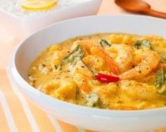 Prawn Curry - On Travelling Diva, Ritu Dalmia tastes the local cuisine of South Goa. Dissolve in the dizzying taste of the legendary prawn curry prepared by the blessed cook, Mayawati. Curry Recipes, Shrimp Recipes, Wagamama Recipe, Low Carb Recipes, Cooking Recipes, Curry Shrimp, Indian Food Recipes, Ethnic Recipes, Coconut Curry