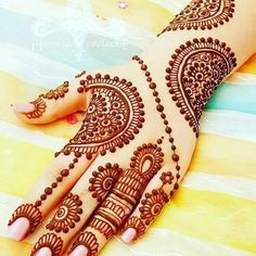 Mehndi henna designs are always searchable by Pakistani women and girls. Women, girls and also kids apply henna on their hands, feet and also on neck to look more gorgeous and traditional. Henna Hand Designs, Eid Mehndi Designs, Mehndi Designs Finger, Mehndi Designs For Girls, Mehndi Designs For Beginners, Modern Mehndi Designs, Mehndi Design Pictures, Wedding Mehndi Designs, Beautiful Henna Designs