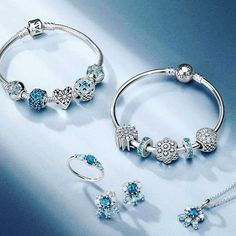 The #pandora winter 2016 collection is out today! ❄️❄️ I've put together lots of live shots and inspiration, plus commentary on all the new jewellery, at www.morapandorablog.com!