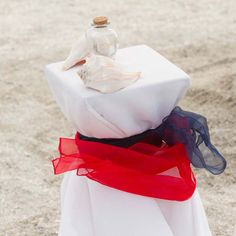 Red, white & blue for a patriotic unity sand ceremony