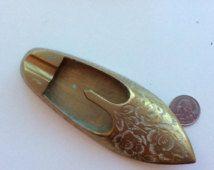 Brass chaussure vintage-Inde-cendrier cendrier-tobacciana laiton porte-cigarette-floral à collectionner fumer accessoire-