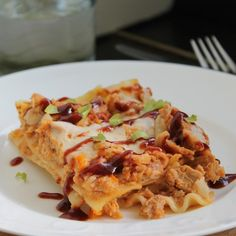 Pulled pork lasanga: a great way to use leftover pulled pork! That is, if you have any ;)