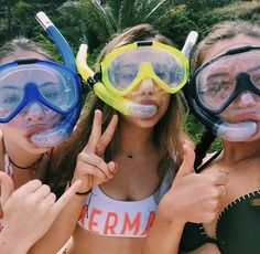creds to @brynkbrown    travel, bff, snorkeling, photo ideas, love, fish    my pinterest: @madeinelaii << follow me!!