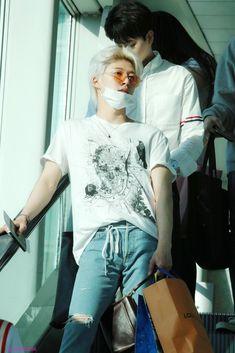 Ikon Member, Kim Hanbin, Airport Style, Airport Fashion, Asian Boys, Yg Entertainment, Mix Match, Lineup, Boy Groups