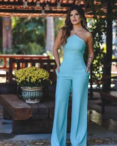 Pin by Jocelyne Cathy Joilan on combinaison in 2019 Jumpsuit Outfit Dressy, Look Fashion, Fashion Outfits, Womens Fashion, Classy Outfits, Cute Outfits, Style Bleu, Style Marocain, Diy Vetement