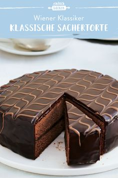 This Sacher cake is simply irresistible and the highlight of Viennese confectionery! Made of airy Viennese biscuit, with a delicious apricot jam and artfully designed glaze – not only looks good, but also tastes like melting away. Pastry Recipes, Baking Recipes, Cake Recipes, Dessert Recipes, Rum Punch Recipes, Easy Drink Recipes, Healthy Recipes, Viennese Biscuits, Drink Recipes Nonalcoholic