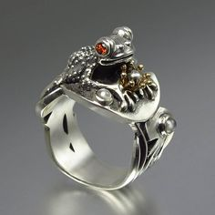 BEFORE THE KISS the Frog Prince ring in silver and 14k gold